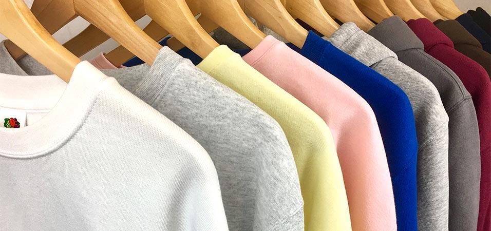 Sudaderas bordadas en diferentes colores y formatos